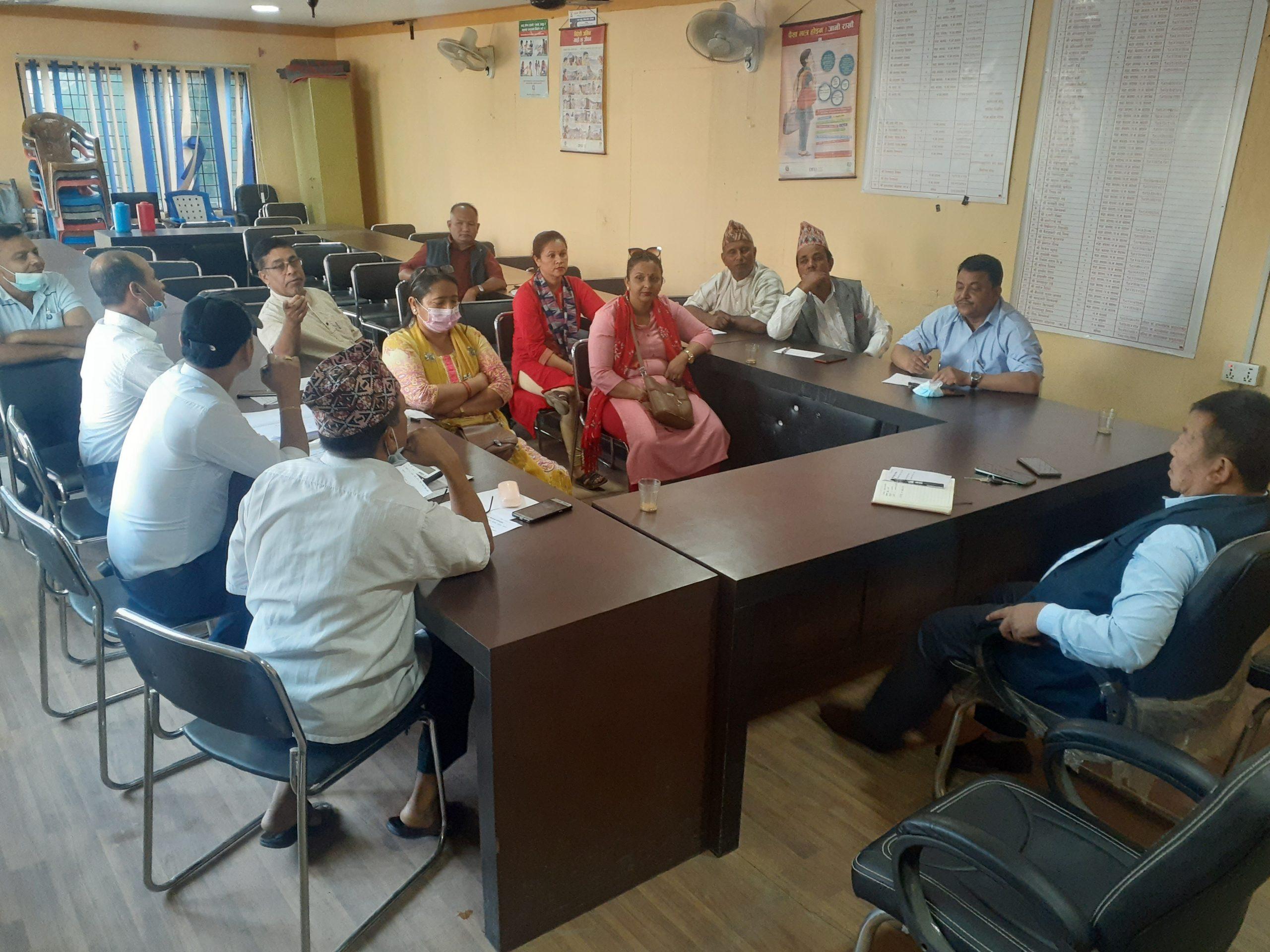 नगरले लिम्बू भाषा कक्षा र पाठ्यपुस्तकको व्यवस्थापन गर्ने