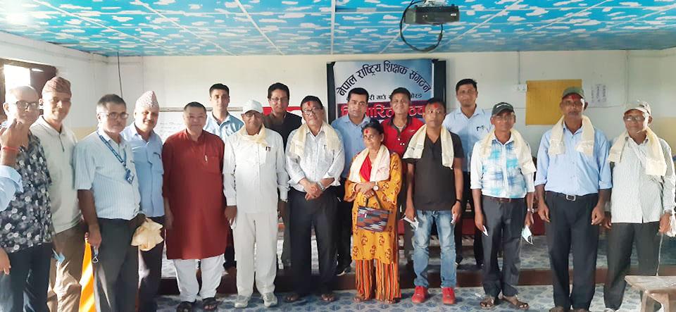 कानेपोखरीमा माओवादी केन्द्र निकट एन्टोका सवै शिक्षक संगठनमा प्रवेश